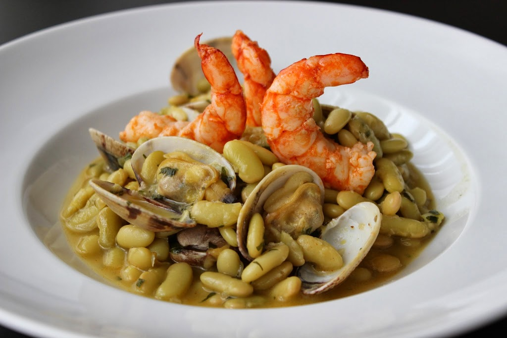 Cocinar Fabes Con Almejas | Gastronomia En Verso Alubias Verdinas Con Almejas Y Gambones